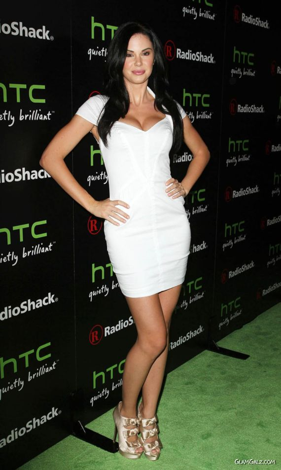 Truly Beautiful Jayde Nicole hot pics, hot bread image