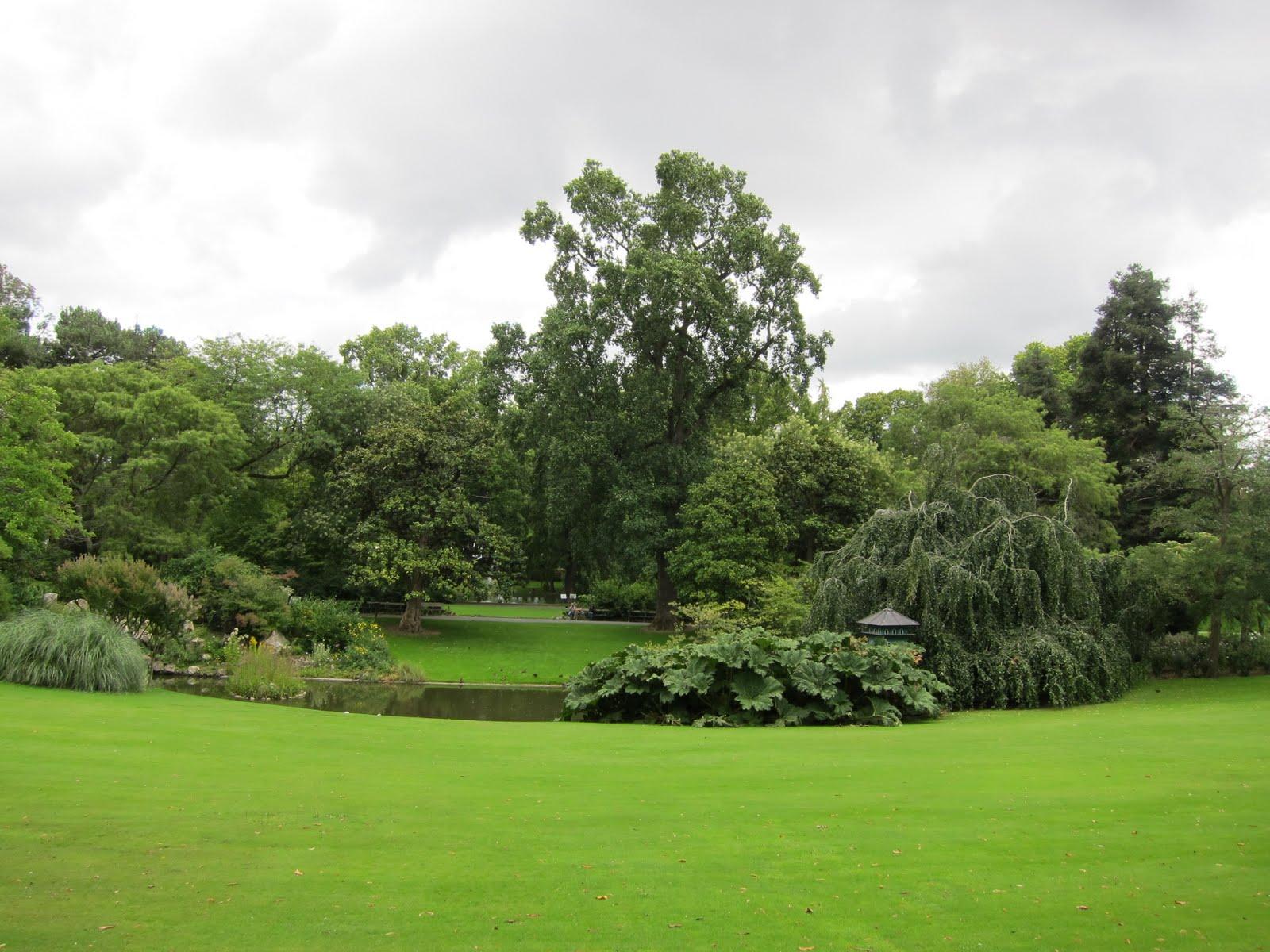 umstumpular loons beautiful parks in nantes. Black Bedroom Furniture Sets. Home Design Ideas
