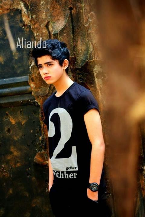 Wallpaper dan Foto Aliando