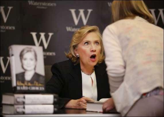 تعبير وجه مضحك لـ(هيلاري كلينتون)