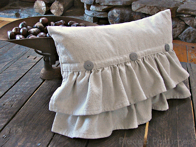 How To Make A Throw Pillow With Ruffle : Pieced Pastimes: Ruffled Pillow Tutorial