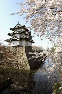 Hirosaki Castle, Japan (Best Honeymoon Destinations In Asia) 7