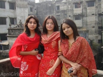 Real Bangladeshi Girls Pictures Gallery and Mobile Numbers3
