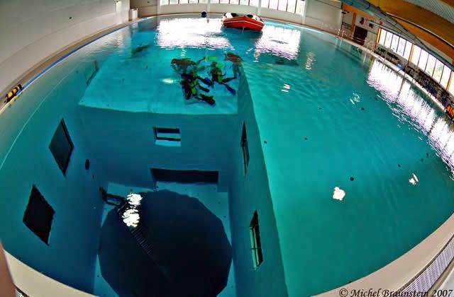Nemo 33 a piscina mais funda do mundo bruxelas for Funda para piscina