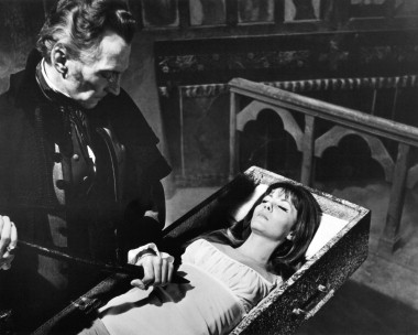 Peter Cushing e Ingrid Pitt