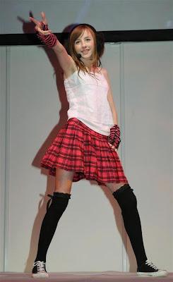 Beckii Cruel 英國超萌美少女 貝琪庫爾