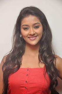 Pooja Jhaveri latest glamorous Pictures 011.JPG