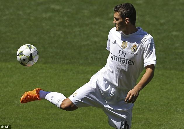 Real Madrid Resmi Perkenalkan Kovacic Kepada Fans
