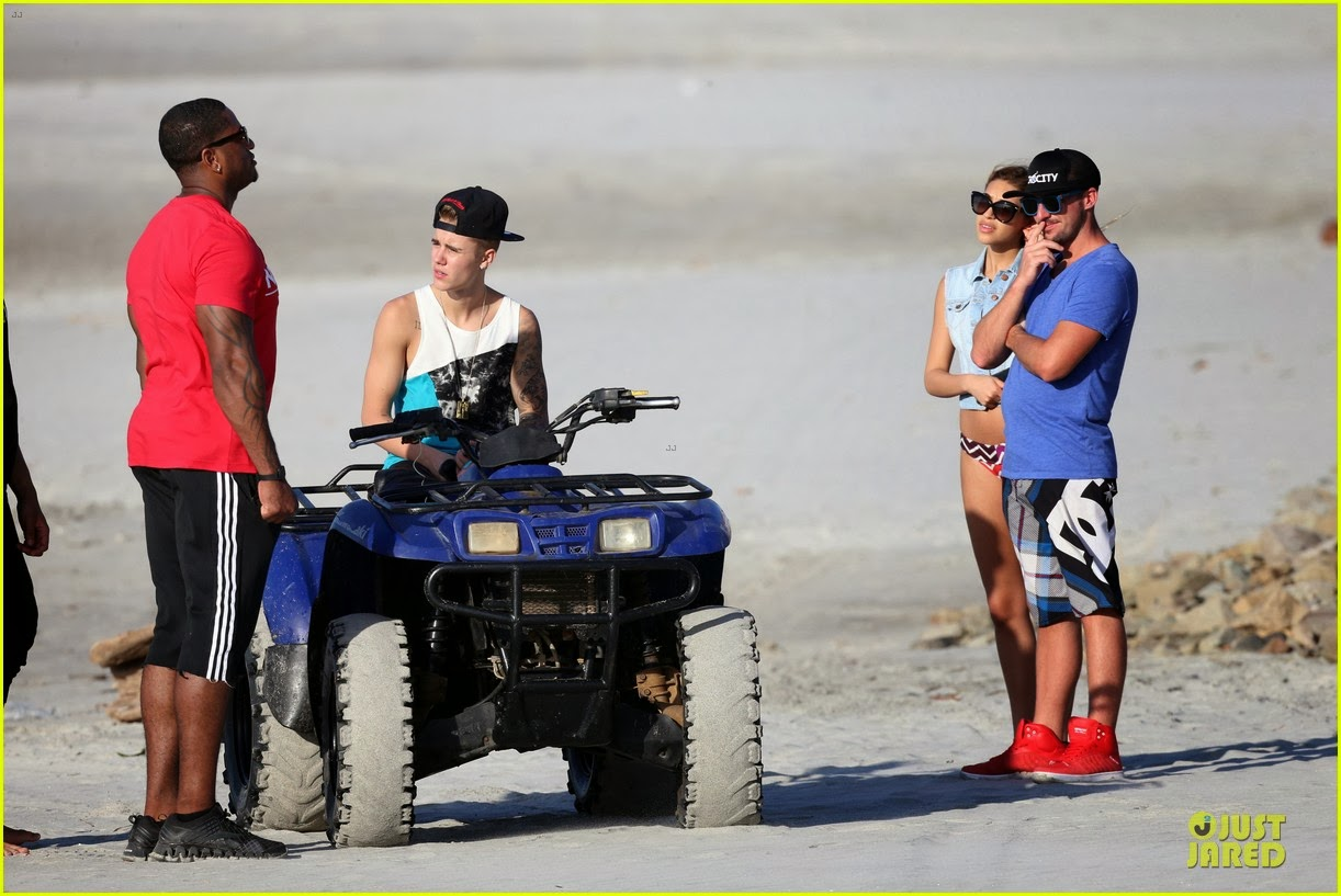 Justin bieber in the beach 2014