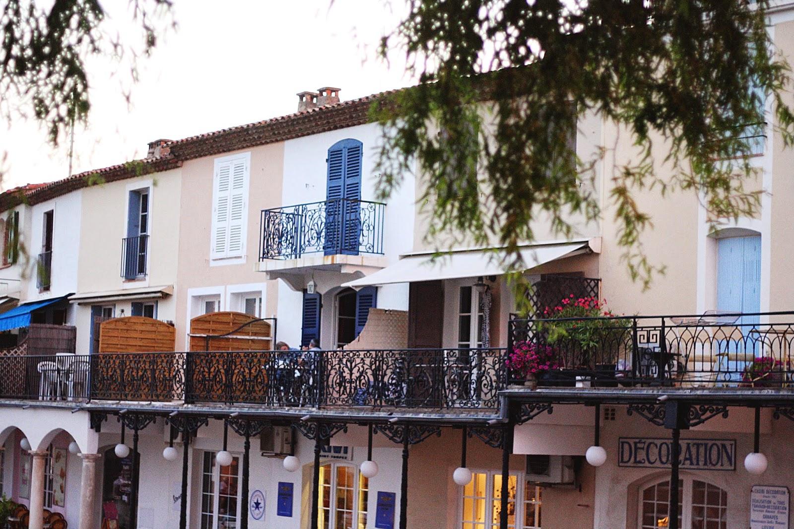 maisons colorées jointive sud