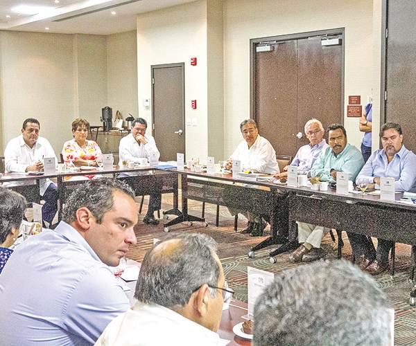 Dialoga CMD con integrantes del Congreso local