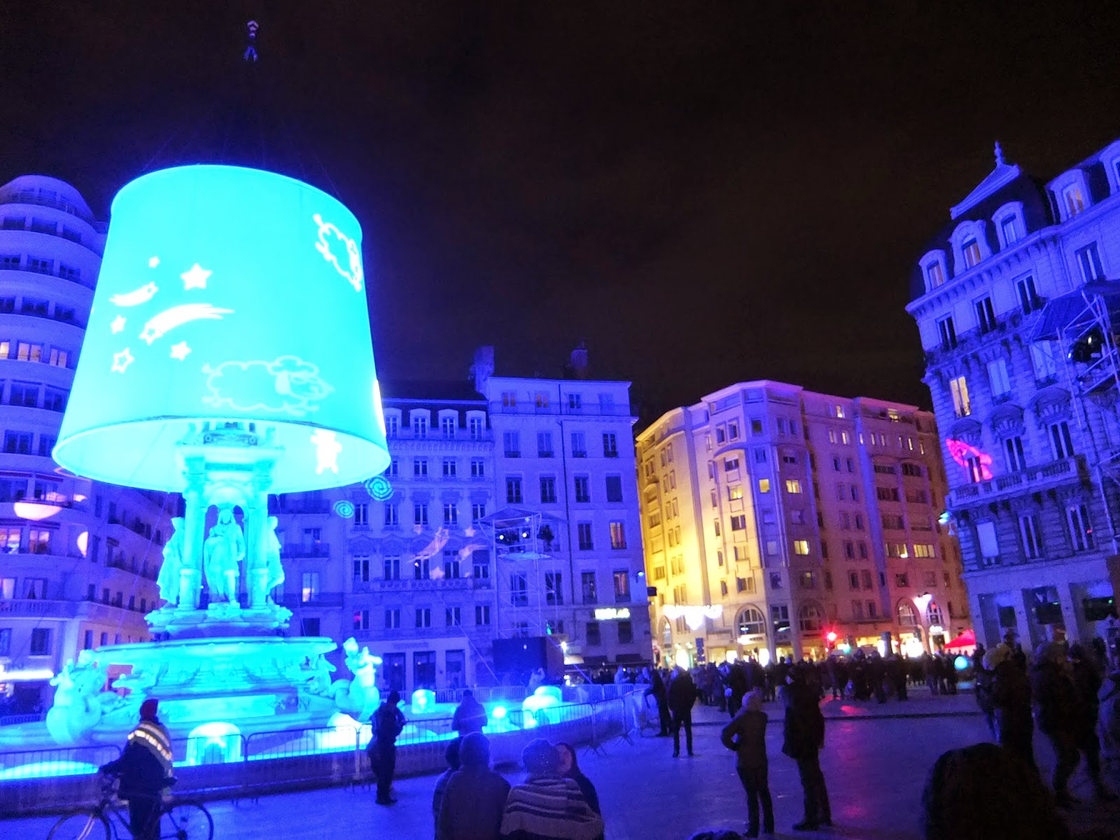 lyon fete des lumieries festival of light liquidgrain liquid grain france