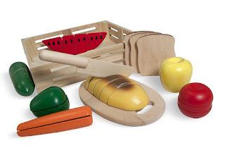 cibo in legno da tagliare