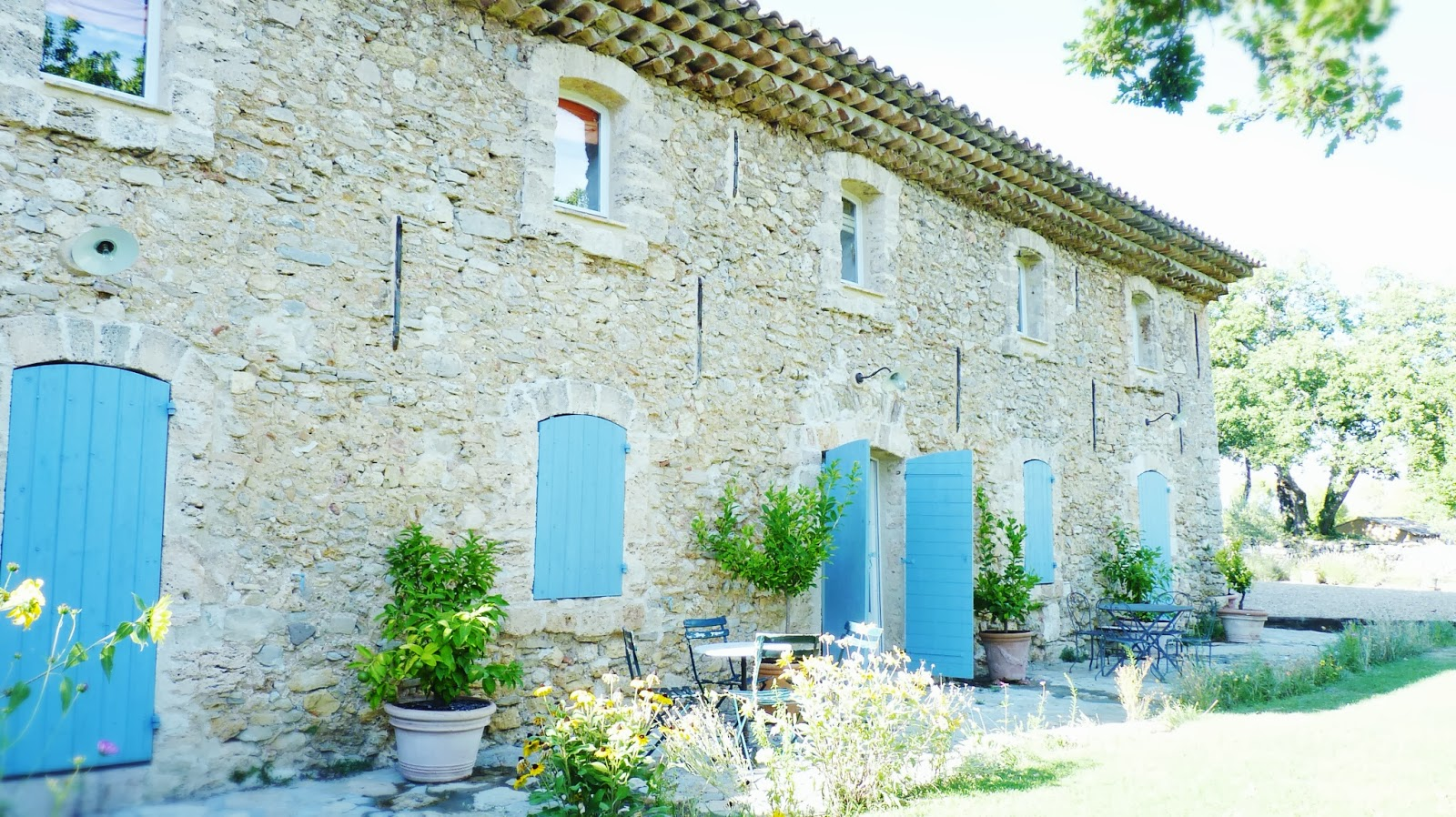 une maison en provence drimvic