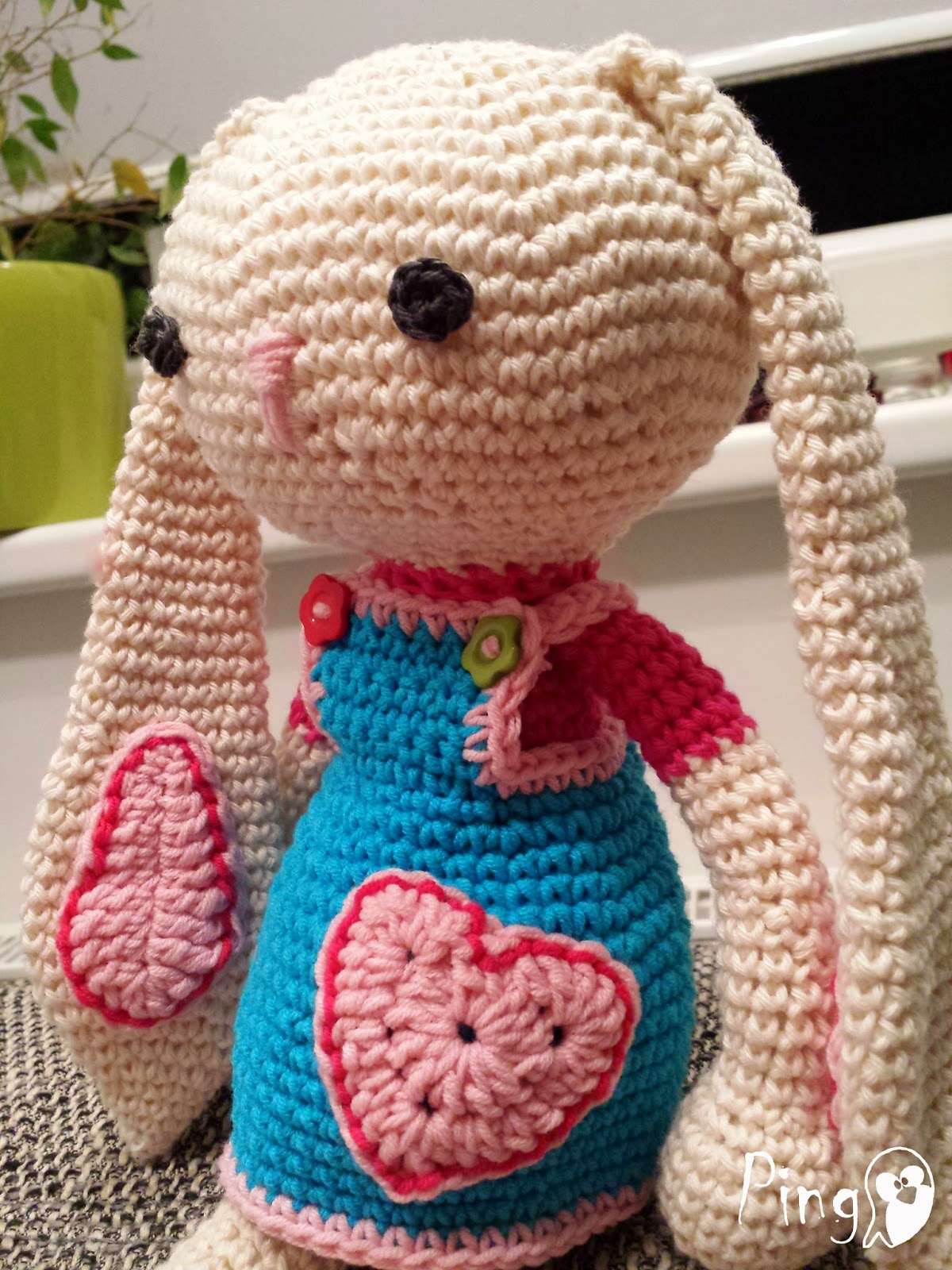 Emmy Bunny crochet pattern by Pingo - The Pink Penguin