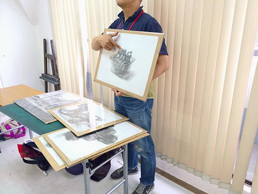 横浜美術学院の中学生教室 美術クラブ のびのび描こう!鉛筆で描く「静物デッサン」1