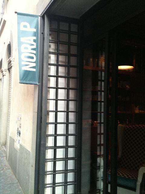 Nora p negozi design roma for Negozi arredamento design roma