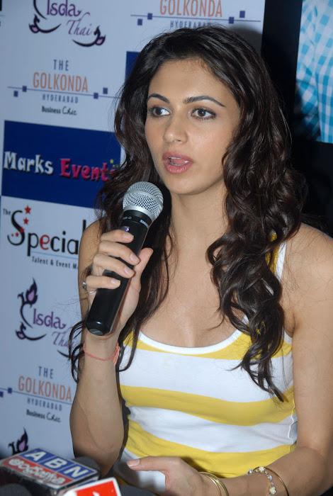simran kaur new , simran kaur actress pics