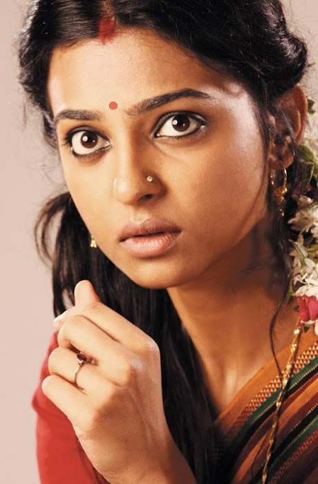 radhika apte in saree - raktha charithra movie actress pics