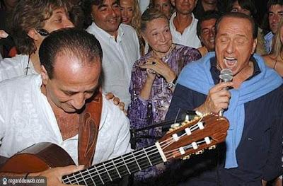 Images comiques et surprenantes Célébrité - Berlusconi v11