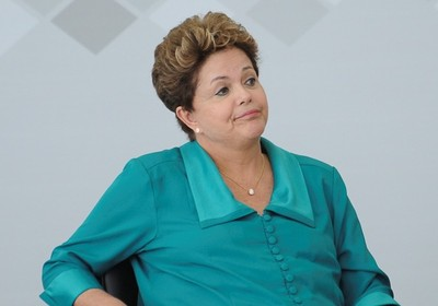 http://2.bp.blogspot.com/-tCdAAupIaTw/UcHqupKpuOI/AAAAAAAAaN8/r1sUkV7HzWg/s400/dilma_rousseff_fabio_pozzebom_abr.jpg