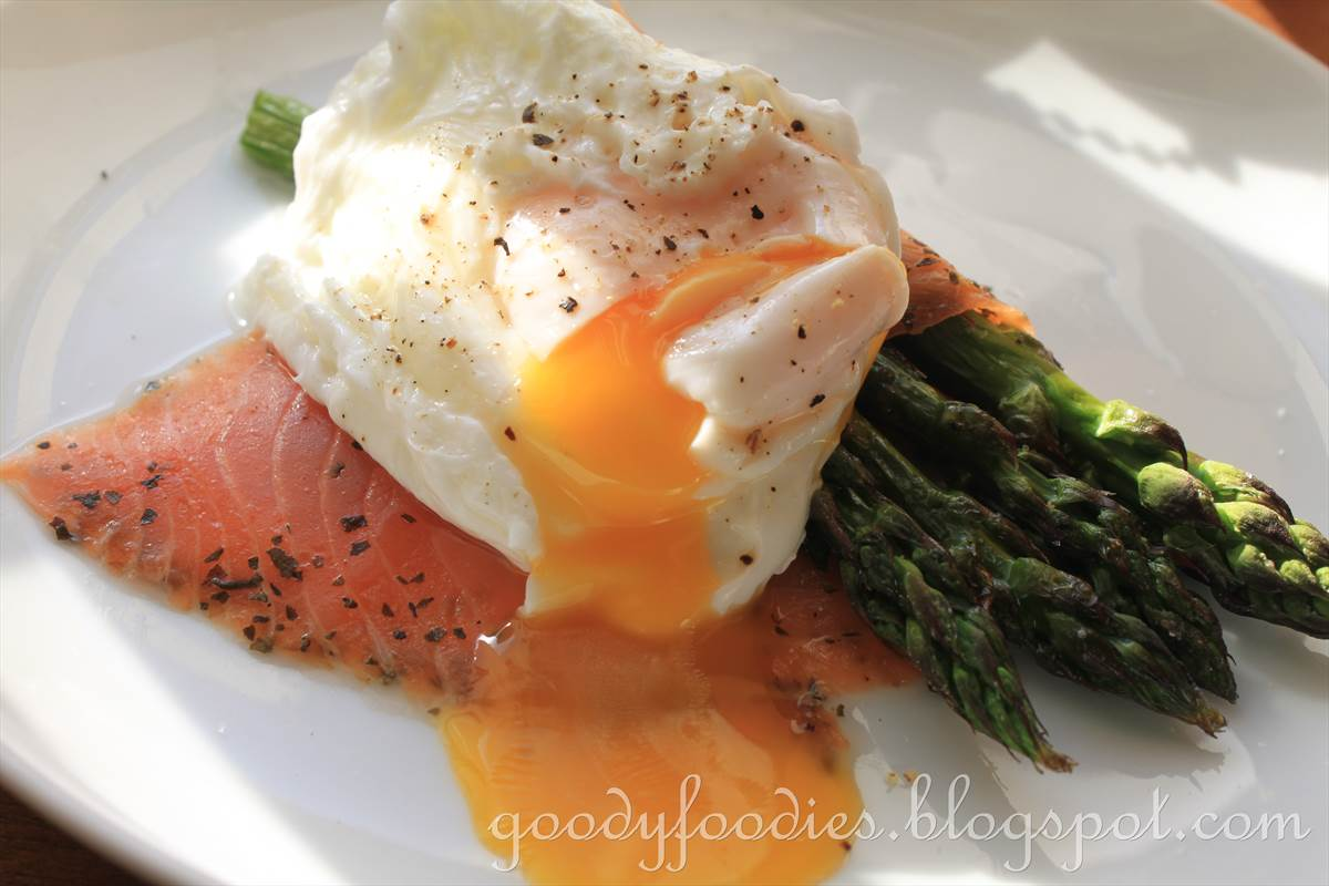 goodyfoodies recipe poached egg with smoked salmon and
