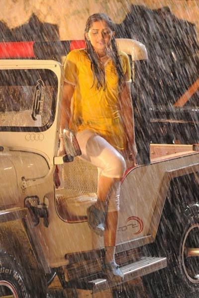 ... movie stills mr marumakan photos dileep in mr marumakan sanusha