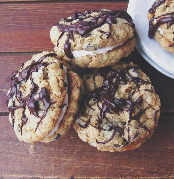Oatmeal Whoopie Cream Pies | une gamine dans la cuisine