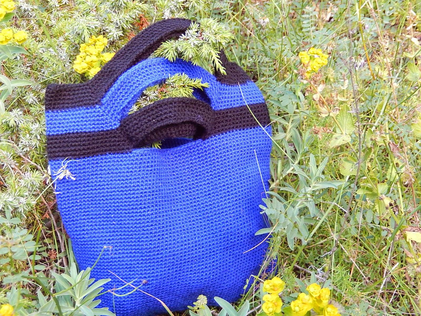 Üç saplı Örgü çanta
