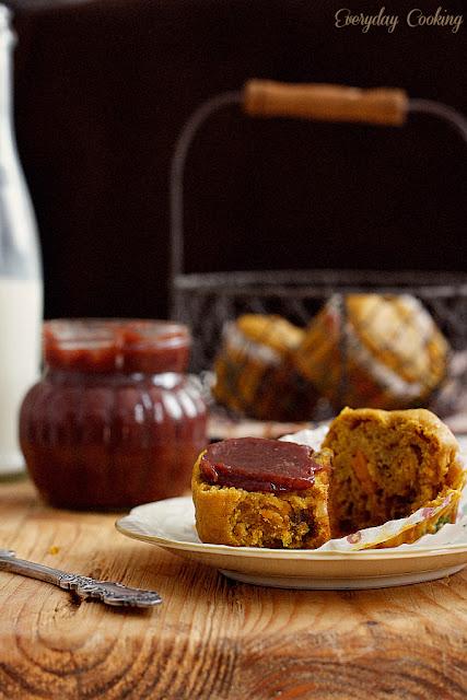 Dyniowe muffiny z cynamonem i orzechami włoskimi