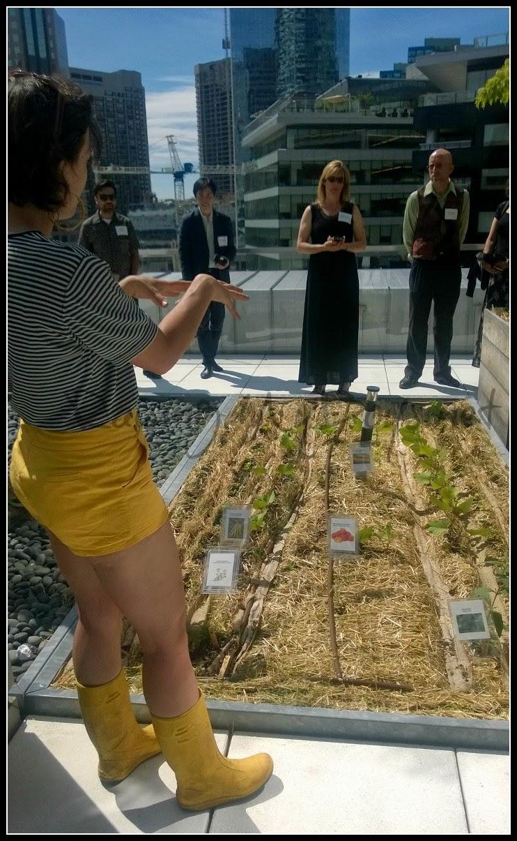 Renée Nadeau leads garden tour TELUS