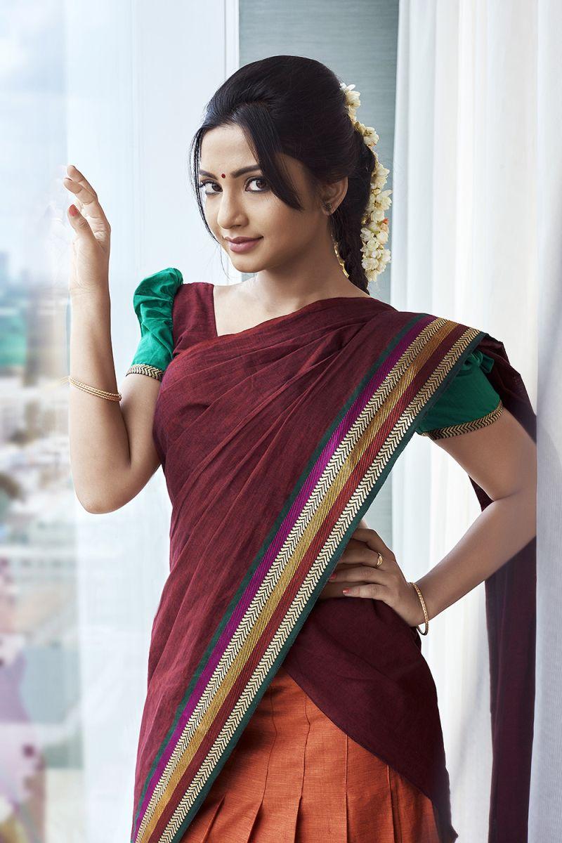 Actress Kamna Latest Cute Hot Half Saree Navel Show Spicy Photos Gallery