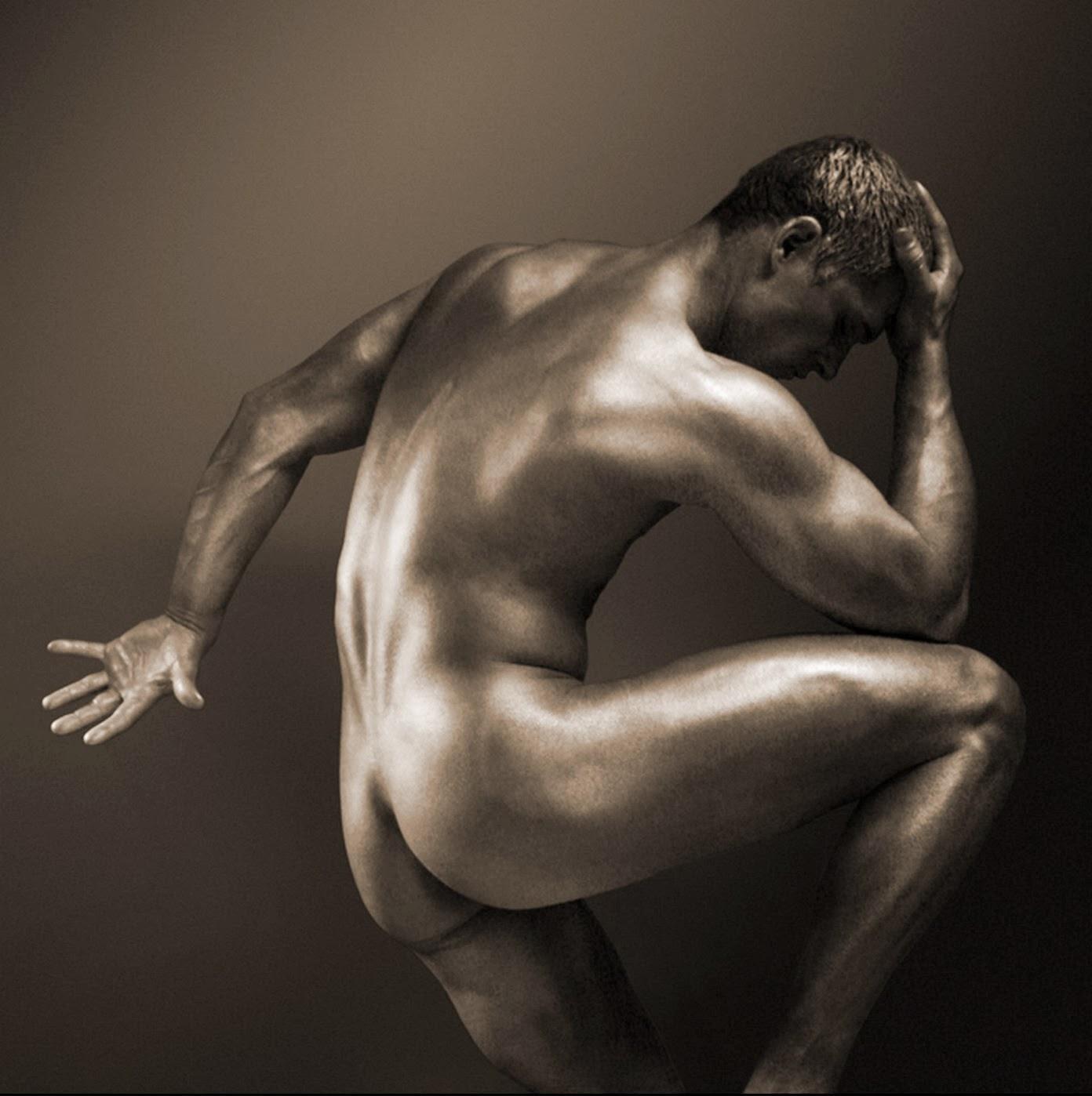 Modelos desnudos masculinos profesionales