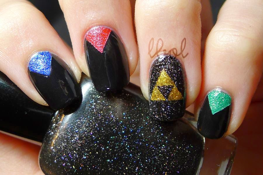 Legend of Zelda Triforce Nail Art