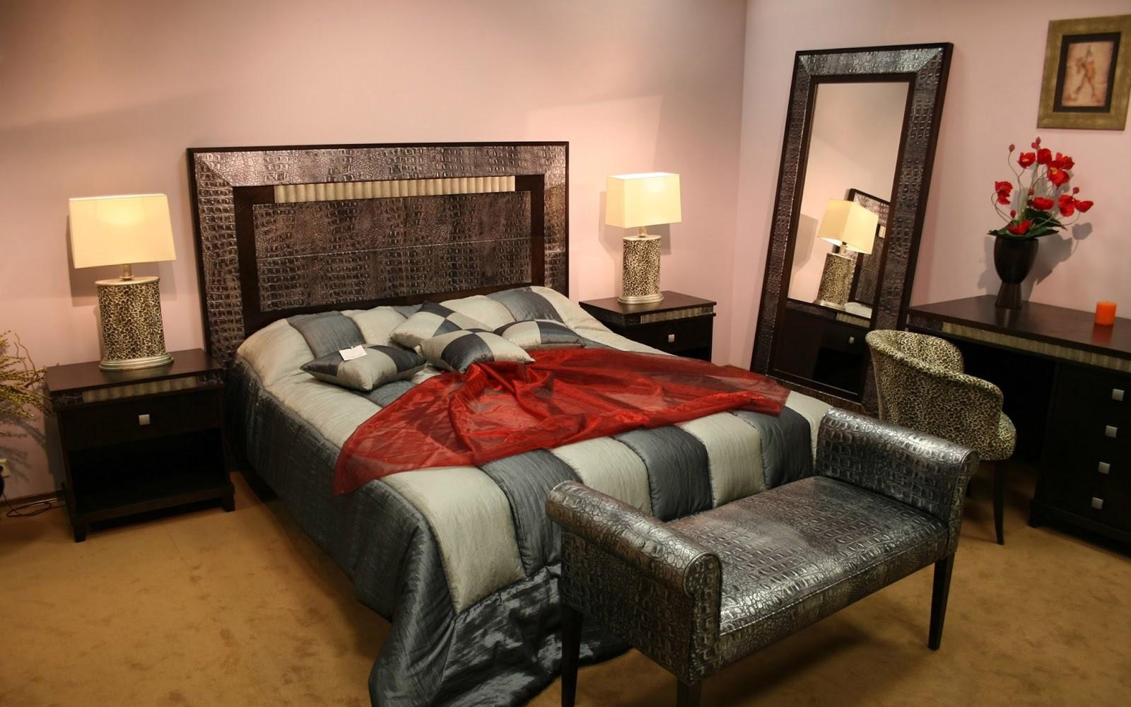 http://2.bp.blogspot.com/-tDpMHRUcR-8/UPI5tFqIXaI/AAAAAAAADbE/hbsUYVQY2xc/s1600/Bedroom%2BDesign%2BWallpapers.jpg