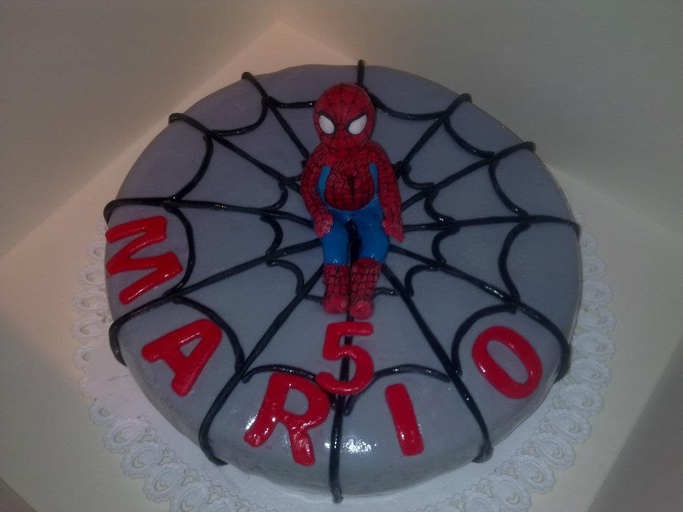 Le torte di gip torta spiderman 3d mmf for Decorazione torte spiderman