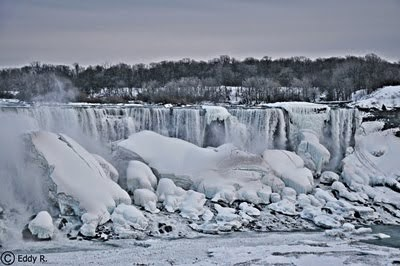 Die partiziell vereisten Niagarafälle (Februar 2014)