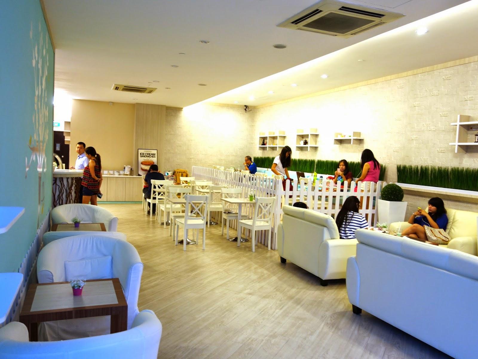 Brew maison bukit timah a pretty japanese korean style cafe with cutesy 3d latte art