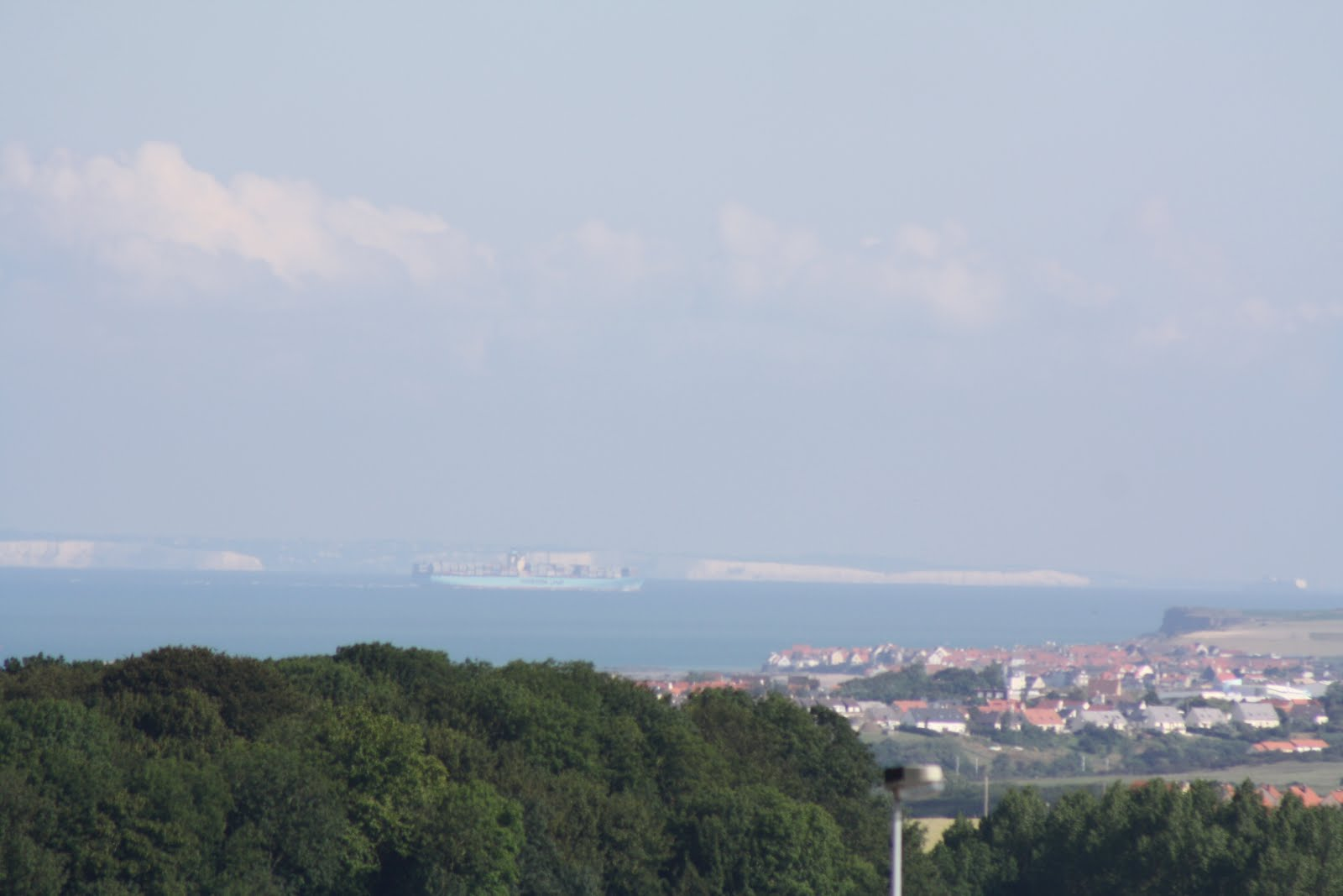 La Havre- Dover in distance