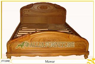Tempat tidur ukiran kayu jati Mawar