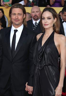 Анджелина Джоли сложила рога на Брад