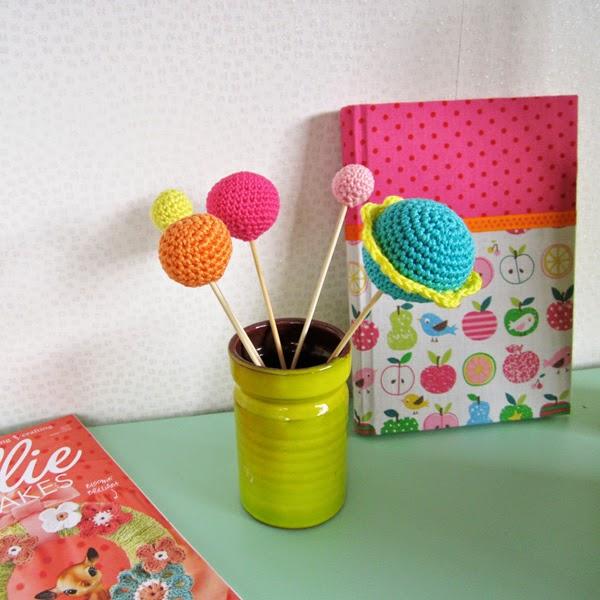 http://2.bp.blogspot.com/-tEYLXxxUtDo/U3M28U5zAoI/AAAAAAAADJo/WevlmebkyGk/s1600/Color'n-Cream-CrochetBalls-6.jpg