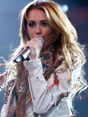Miley cyrus dating in Melbourne