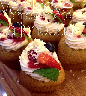 Recept na vanilkové cupcakes s mascarpone a jahodami