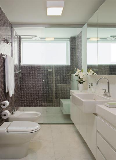 Banheiros -> Banheiro Pequeno Moderno Com Banheira