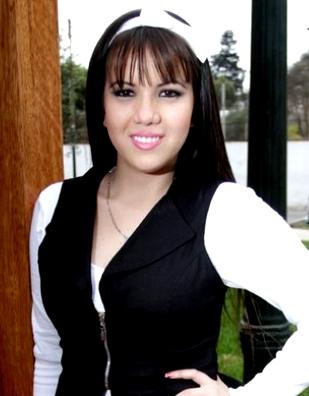 Foto de Greysi Ortega Ulloa posando luego de una entrevista