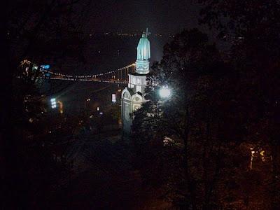 Владимирская горка ночью