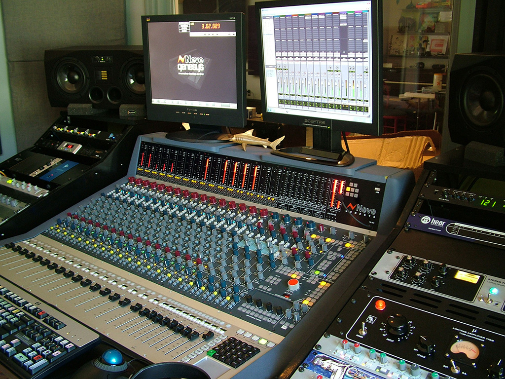 The Neve Genesys Had Been Acquired By GC Pros Hollywood Office A Result Of Its Excellent Relationships With Pro Audio Community In Entire Southern