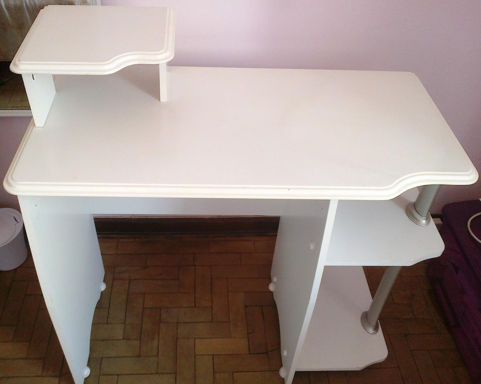 : Restaurando meu móvel: escrivaninha que virou penteadeira #3A2418 1600x1278
