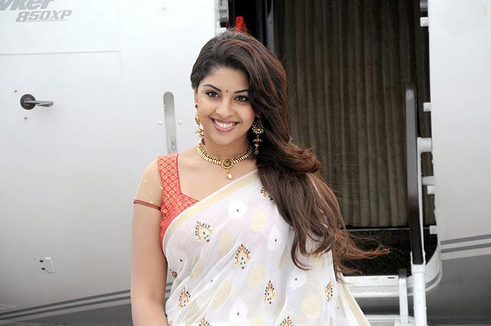 Richa Gangopadhyay Latest Closeup Cute Stills Photos hot photos